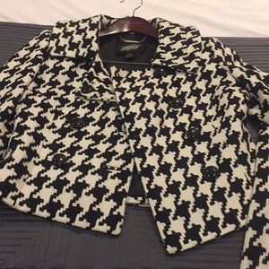 Gorgeous Houndstooth suit!